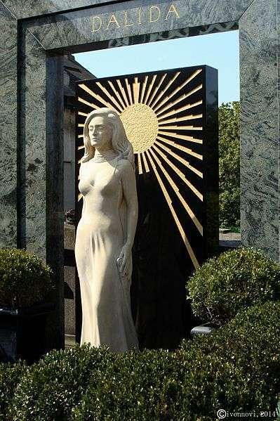 Cimetière de Montmartre, tombeau de Dalida